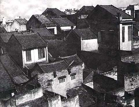035.Mái nhà cổ phố Hàng Bạc (ảnh chụp năm 1956)_