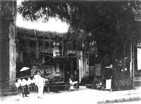 042.Phố Hàng Gai vẫn đọng lại những nét kiến trúc cổ truyền