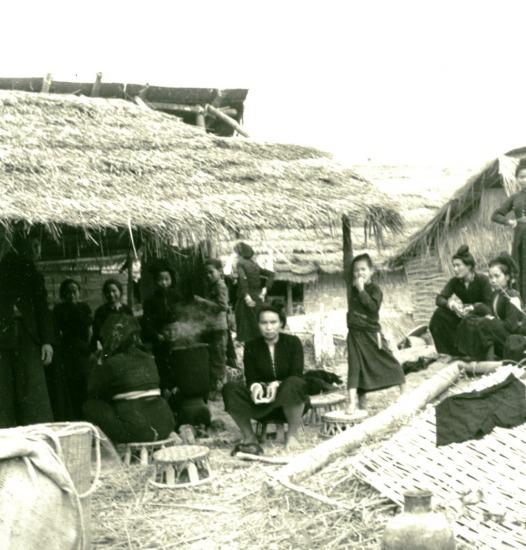 048.Người Thái ở Điện Biên Phủ.