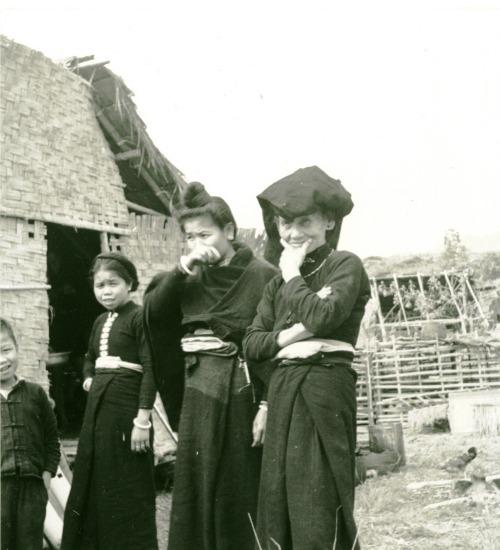 049.Người Thái ở Điện Biên Phủ.