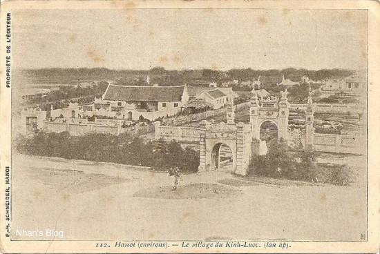 Ấp được xây dựng năm 1893, gồm rất nhiều công trình kiến trúc dinh thự, lăng mộ, đình chùa...nằm rải rác trên một không gian rất rộng phía bên trái gò Đống Đa, kéo dài từ phố Đặng Tiến Đông ngày nay tới tận Trường cán bộ Công Đoàn Hà Nội