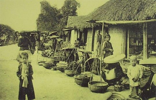 Hàng bán hoa ven đường