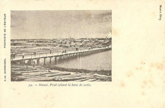Cầu nối các bãi bồi trên sông Hồng
