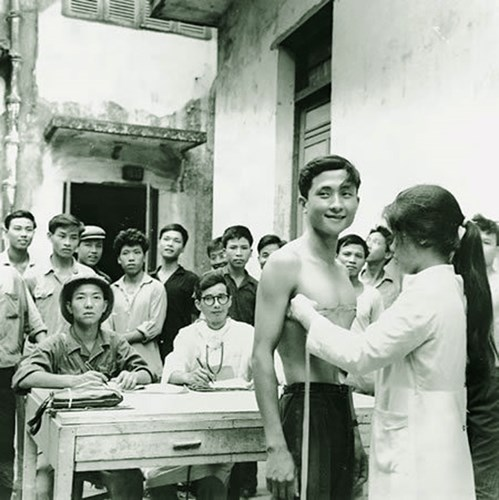 hinh-anh-it-biet-ve-mien-bac-viet-nam-truoc-1975-1-hinh-2