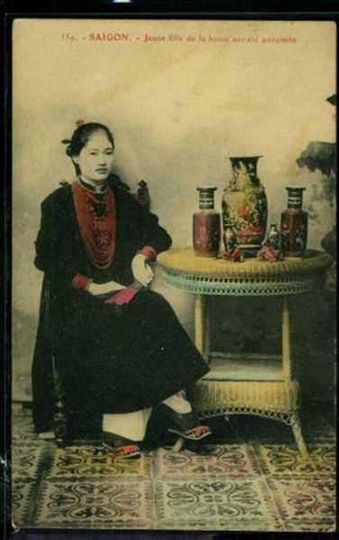 Tiểu thư Sài Gòn.