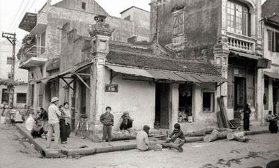 Góc phố Hàng Quạt - Phố Tô Tịch