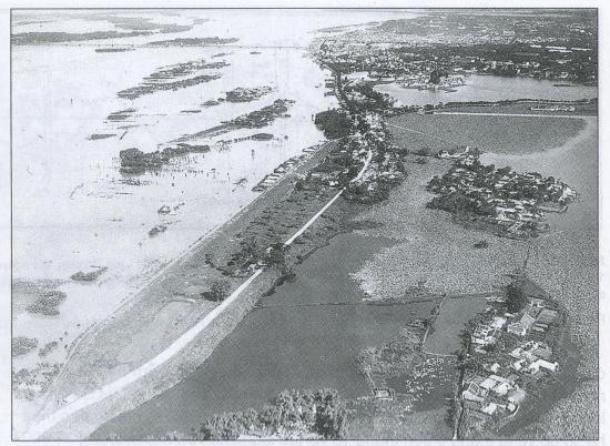 mùa lũ năm 1929- Bãi Tứ Liên, An Duơng ngập nước. Quảng An và Nghi Tàm trở thành đảo nổi