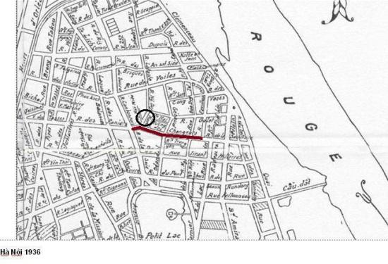 Vị trí phố Hàng Bạc ( vòng khuyên là vị trí con đường đáng nhẽ ra được mở từ phố Lương Ngọc Quyến-Hàng Giầy ra Hàng Bạc nhưng không thành).