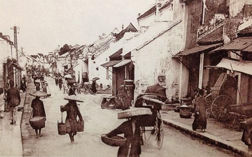 Bức ảnh về phố Hàng Mắm, Hà Nội đầu Thế kỷ XIX
