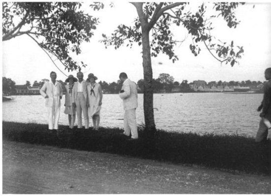 001.Ven Hồ Gươm