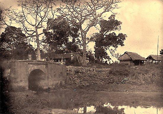 003.Cầu Giấy gần Hà Nội)