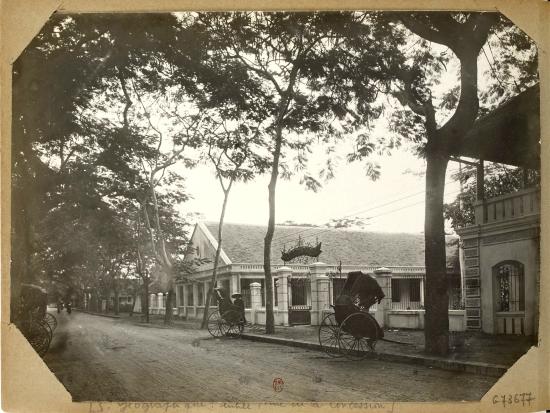 003.Hanoi (1896-1900) S. Géographique - entrée, rue de la Concession (nay là đường Phạm Ngũ Lão)Hanoi (1896-1900) S. Géographique : entrée, rue de la Concession (nay là đường Phạm Ngũ Lão)