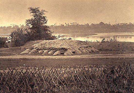 003.Hầm trủ ẩn của GCÐ dọc theo dòng sông Hồng gần Hưng-Hóa
