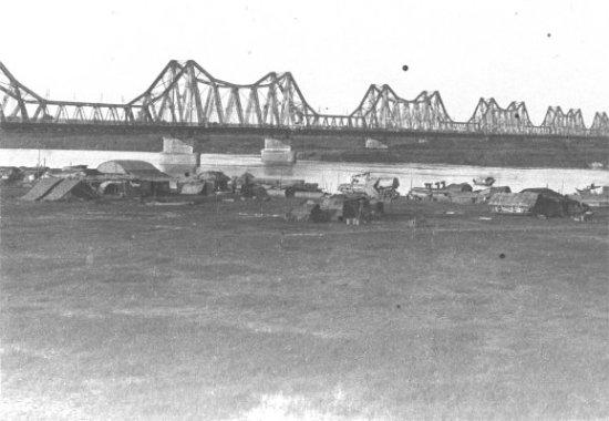 003d.Cầu Long Biên
