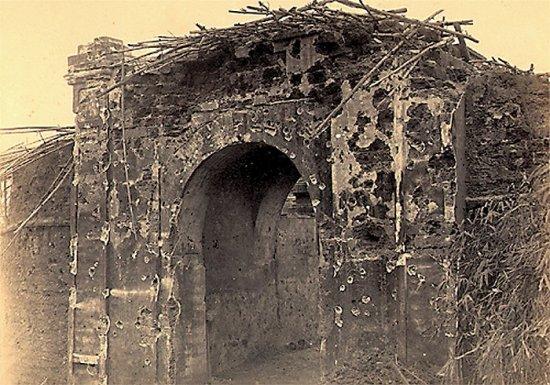 004.Cửa Ðông (hoặc Tây!) mà quân Pháp tràn vào thành