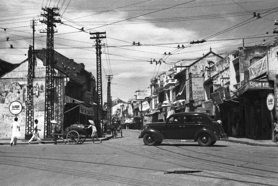 Góc Hàng Gai (trái)- Hàng Đào