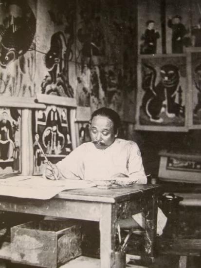 004.Thợ vẽ tranh bầy bán luôn ở cửa hàng