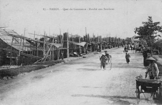 005.Chợ tre nứa ở phố Bờ Sông đầu thế kỷ 20