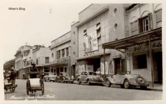 Giai đoạn tạm chiếm (1947 -1954) rạp mang tên Eden.Cửa hàng sách bên canh mang tên Pacific.Vỏ ngoài của các tòa nhà này được sửa lại cho hiện đại hơn. Hầu như không ai biết dưới lớp vỏ bọc tân kì kia vẫn còn nguyên dáng vẻ ban đầu