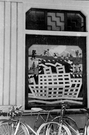 1940 - Window decoration at G. Taupin et Cie publishers in Hanoi 3