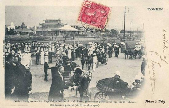 Khai trương triển lãm Hà Nội. Ông Thome, trưởng Ban tổ chức tiếp đón toàn quyền Beau (16/11/1902)