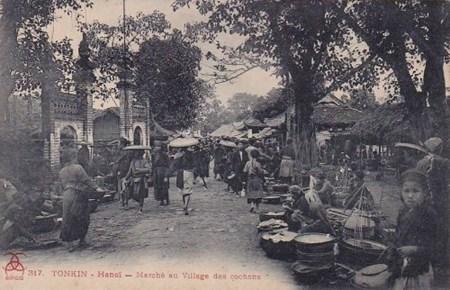 007.Chợ Bưởi có thể hình thành từ đời Lý, nhưng cũng có những nhà nghiên cứu lại bảo chợ hình thành từ giữa thế kỷ 19