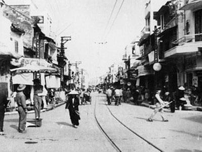 007.Một góc phố Hàng Đường, Hà Nội những năm 1950