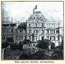 008.Bức ảnh này do một trong những khách hàng đầu tiên của Metropole, nhà văn kiêm nhà báo Alfred Cunningham thực hiện năm 1902..