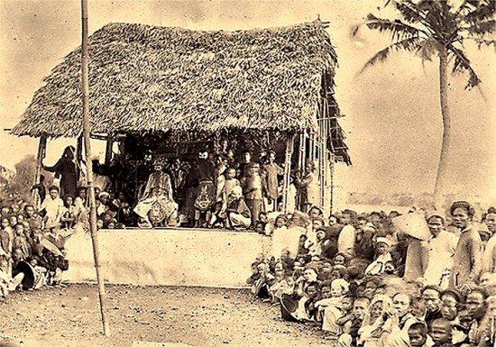 009.Một vở kịch vào ngày 14-07-1885
