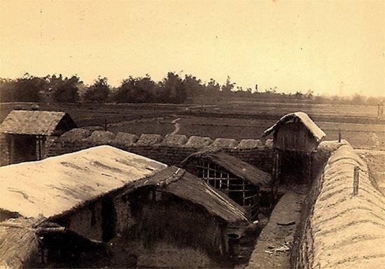 010.Ðồn nhỏ do Giặc Cờ Ðen (GCÐ) dựng lên ở Bắc-Ninh