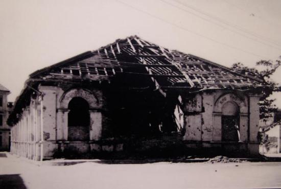 010.Phố Chợ Gạo bị phá hủy trong 60 ngày đêm khói lửa ở Hà Nội (19-12-1946-17-2-1947). Ảnh tư liệu.