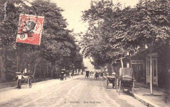 Xem thêm những hình ảnh phố Hàng Khay thời gian muộn hơn: