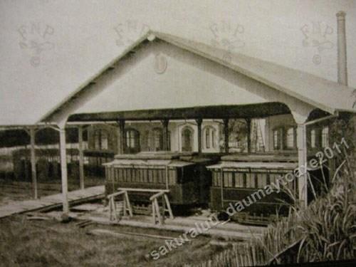 """011.Nhà máy xe điện đó đặt ở đầu làng Thuỵ Khuê nên dân Hà Nội ngày ấy gọi là """"Nhà máy tàu điện Thuỵ Khuê"""""""