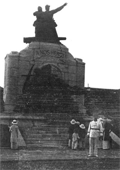 011.VIETNAM 1920-30, Photo by Charles Peyrin (10) - HANOI - MONUMENT AUX MORTS