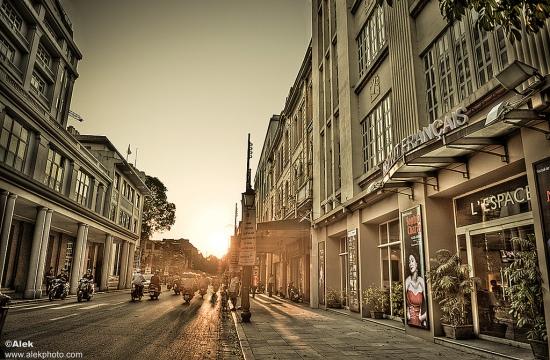 L'Espace và Hotel de L'Opera Hanoi