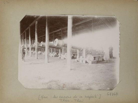 012.Hue (1896-1900) – les canons de la majesté Than-Thai