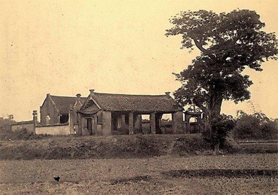 014.Một đền làng gần Sơn-Tây