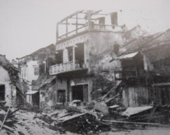 015.Chiến lũy phố Lê Ninh (ngã ba Đinh Liệt-Cầu Gỗ)