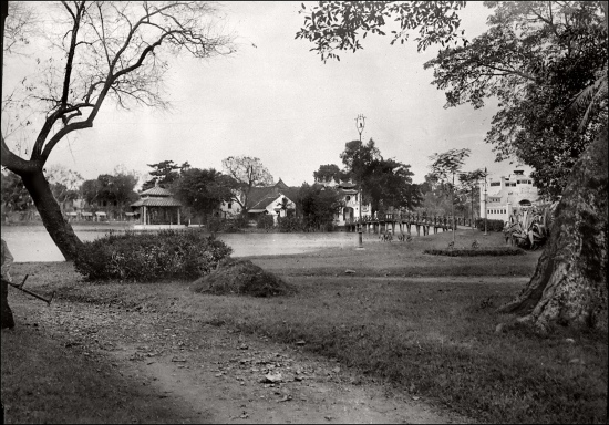 015.Hanoi, the Small Lake (1930s)