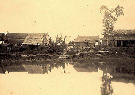 015.Làng gốm gần Sơn-Tây