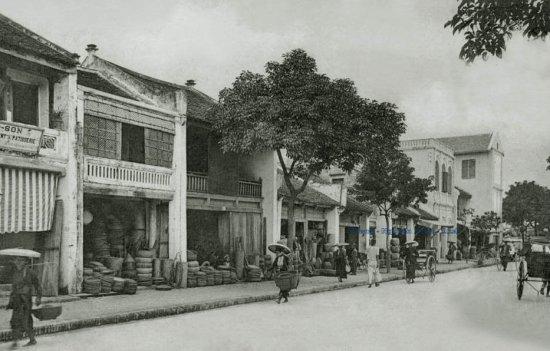 019. Phố Hàng Gà - Rue de Tien-Tsin (1906)