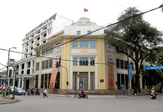 Bộ thương mại ngày nay giữ nguyên hình dáng của Banque Franco Chinois dù người ta xóa đi các logo các chữ BFC trên các bức tường
