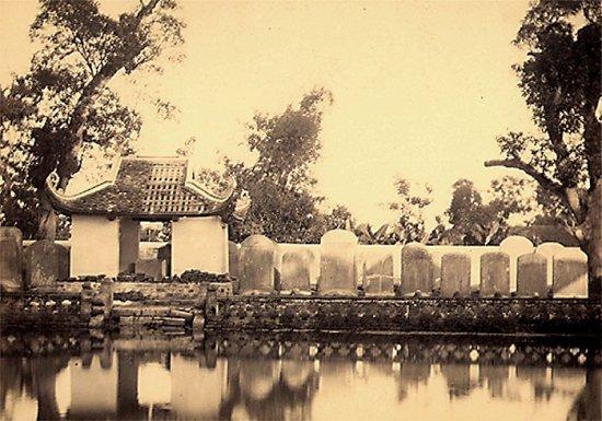 030.Những bia đá tiến sĩ trong đền Văn Miếu