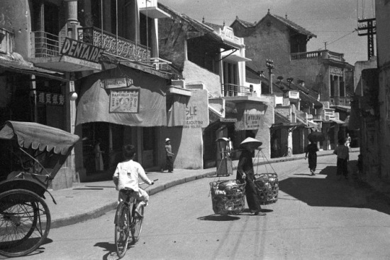 Phố Hàng Bạc. Năm 1941