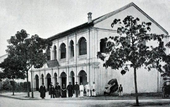 041.Nhà máy rượu đầu tiên của HN (khoảng 1900)