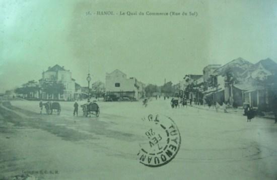 Bến Thương mại nay là phố Hàng Muối. Cảnh chụp năm 1912.