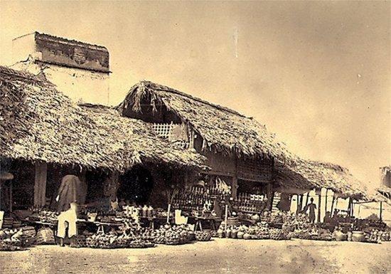 Chợ bán đồ gốm sứ