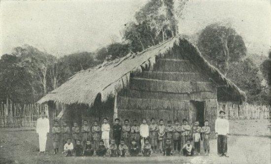 Ecole moï de Vodat (Cochinchine)
