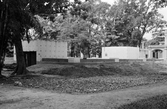 HANOI 1940 - Bunkers and air raid shelters at park in Hà Nội-vườn hoa Lý Thái Tổ ngày nay
