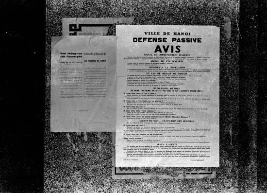 HANOI 1940 - French and Vietnamese signs about safety and Japanese-French incidents-thông báo quá trình Đế quốc Nhật Bản tấn công vào Đông Dương thuộc Pháp năm 1940.